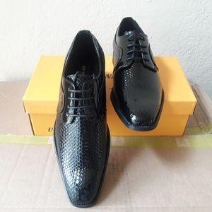 Signature dress shoes